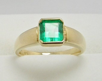 1.10 Ct Natural Colombian Emerald Square Shape  Solitaire  Ring  - Size 7 US