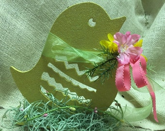 Wooden easter chick decoration