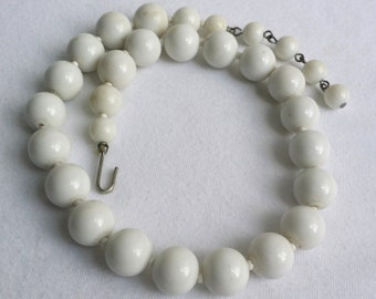 Vintage Silver Tone White Plastic Round Beaded Necklace With Hook Clasp