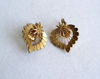 Beautiful Gold Tone Clip On Earrings