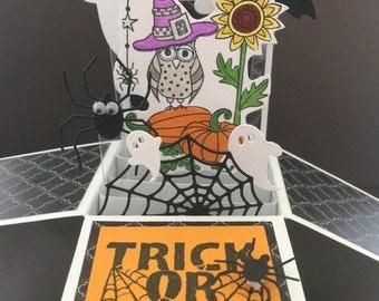 Halloween pop up card - 3D halloween card in a box with halloween owls, pumpkins, ghosts and bats and spiders - halloween pop up box card