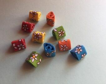 Triangular Paper Beads - Daisies