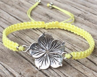 Flower Bracelet, Flower Anklet, Cord Macrame Friendship Bracelet, Macrame Jewelry, Gift for Her, Flower Jewelry, Small Gift, Girls Bracelet