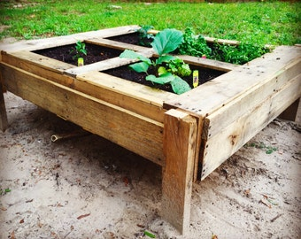 Garden Planter reclaimed pallet wood