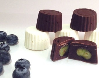 Chocolate Covered Blueberries, Chocolate Dipped Blueberries, Blackberries,Raspberries, Dipped Fruit, Anniversary, Gift Idea