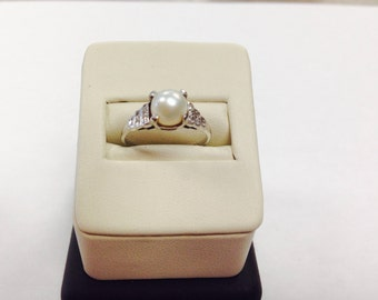 18K Vintage Pearl & Diamond Ring
