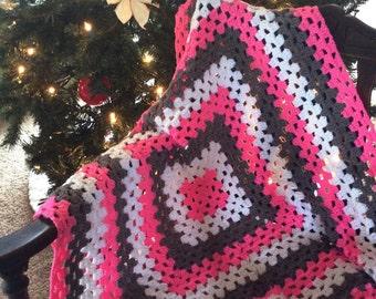 Baby Afghan, Pink Baby Afghan, White Baby Afghan, Gray Baby Afghan, Pink Granny Square, Baby Granny Square, Crochet Baby Afghan