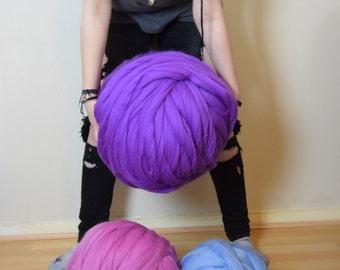 Massive SALE of Giant yarn/Chunky knit yarn 100 % merino wool yarn extreme knitting arm knitting
