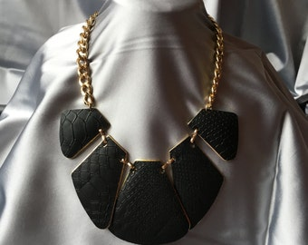Hypoallergenic Geometrical Necklace