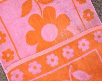 "Retro Mod Floral ""Vintage Townhouse"" Terrycloth Hand Towel Dishcloth, Pink & Orange w/Polka Dot USA MADE"