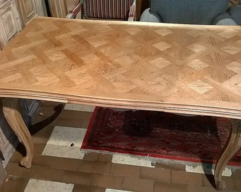 Solid Oak French Table with extensions