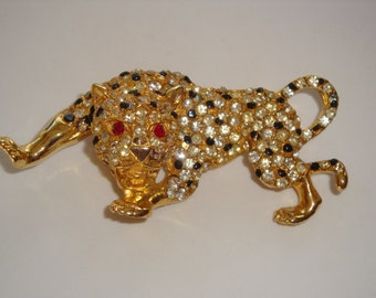 Studded Rhinestone Tigar Brooch