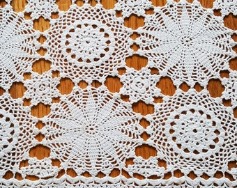Crochet doily, Vintage, Handmade ,Crochet Lace Doily,Crochet Lace Napkin, Lace Doily, Vintage Decor,Vintage doily,squared,  rusteam,