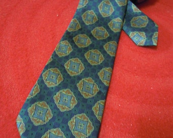 VBT017 : Vintage Burberrys Of London Hand Made Mens Necktie