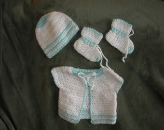 "Baby layette for boy or girl, 0 - 3 months, ""Akane"" B0005"