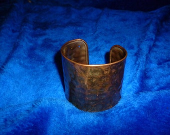 Hand hammered copper bracelet