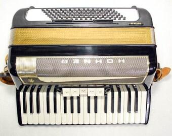 Accordion Hohner Lucia III 3 Piano Accordion 96 Bass Button German Acordeon Vintage Musical Instrument Accordeon Accordian with Case