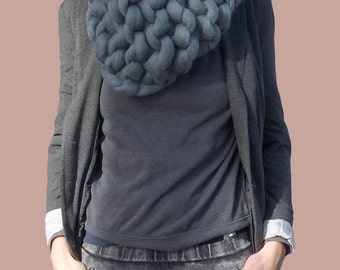 OVERSIZE KNIT COWL, Super chunky scarf, oversized scarf, thick yarn scarf, chunky yarn scarf