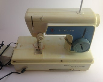 Vintage Little Touch And Sew by Singer 670A3