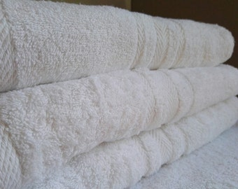 Personalised Luxury 100% Cotton White Bath Sheet 550 gsm