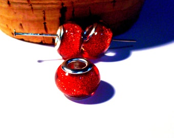 4 beads charm red glitter resin 14 mm