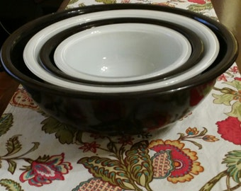 Vintage Pyrex black and white nesting bowls, set of 4