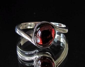 Sterling silver Garnet gemstone ring Pyropos