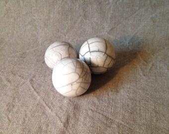 Lot of 3 balls