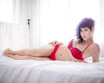 Gwen in Red_Crimson