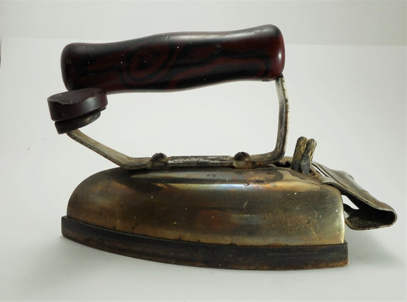 Electric Iron 1920s ~ Items similar to iron  s hotpoint super calrod