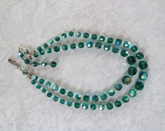 Beautiful Vintage Necklace of Green Crystals