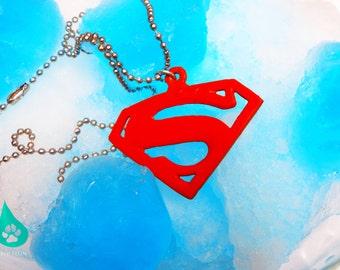 Logo necklace superman
