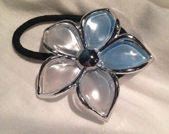 Blue to Clear Fade Flower Hair Band