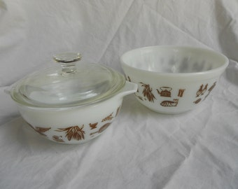 SALE**** Early American Pyrex bowls (set of 2)
