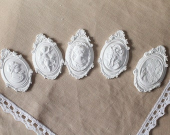 Plaster cameos decorations (bomboniere)