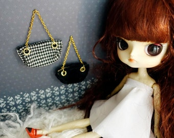 chic and luxury doll purse handbag accessories gold silver chains miniature mini girly fashion layers textured fabric blythe
