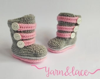 Newborn gray/pink crochet strappy boots. Babyshower gift. Photography Prop