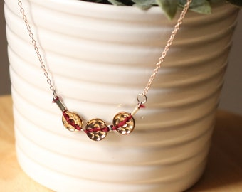 Necklace triple buttons