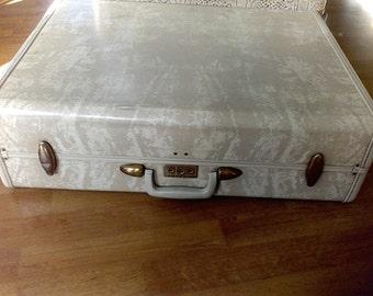 Suitcase ,old luggage, Samsonite, 26 inch , Steamlite