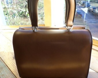 Vintage Twiggy style handbag, original 1960s Trugla, made in Switserland