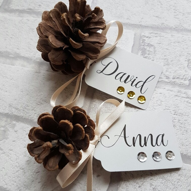 christmas place card pine cone xmas name tags place names. Black Bedroom Furniture Sets. Home Design Ideas