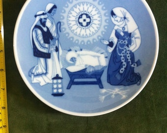 Vintage Limited Edition Christmas Plate from 1971.