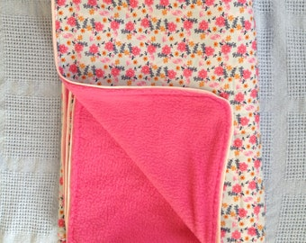 Spring Flowers Fleece Blanket with Pipping