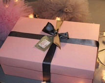 Paisley and pea's luxury colouring gift box