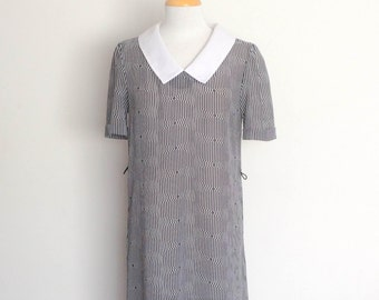 1980s Stitches Plus Black and White Print Shift Dress Vintage