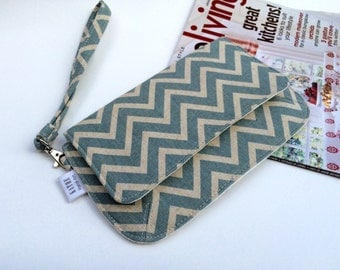 Cream and faded teal zigzags purse