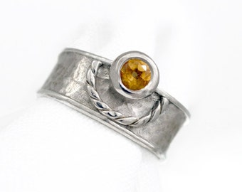 MEDIEVAL yellow ring
