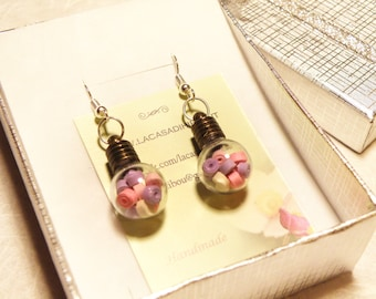 Bulb earrings with paper-quilling