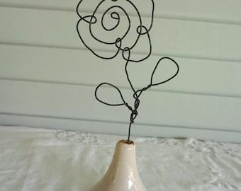 Wire Flower / Pedestal Wire Flower / Ceramic Base