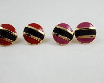 Vintage red black and gold  clip on earrings. DD005